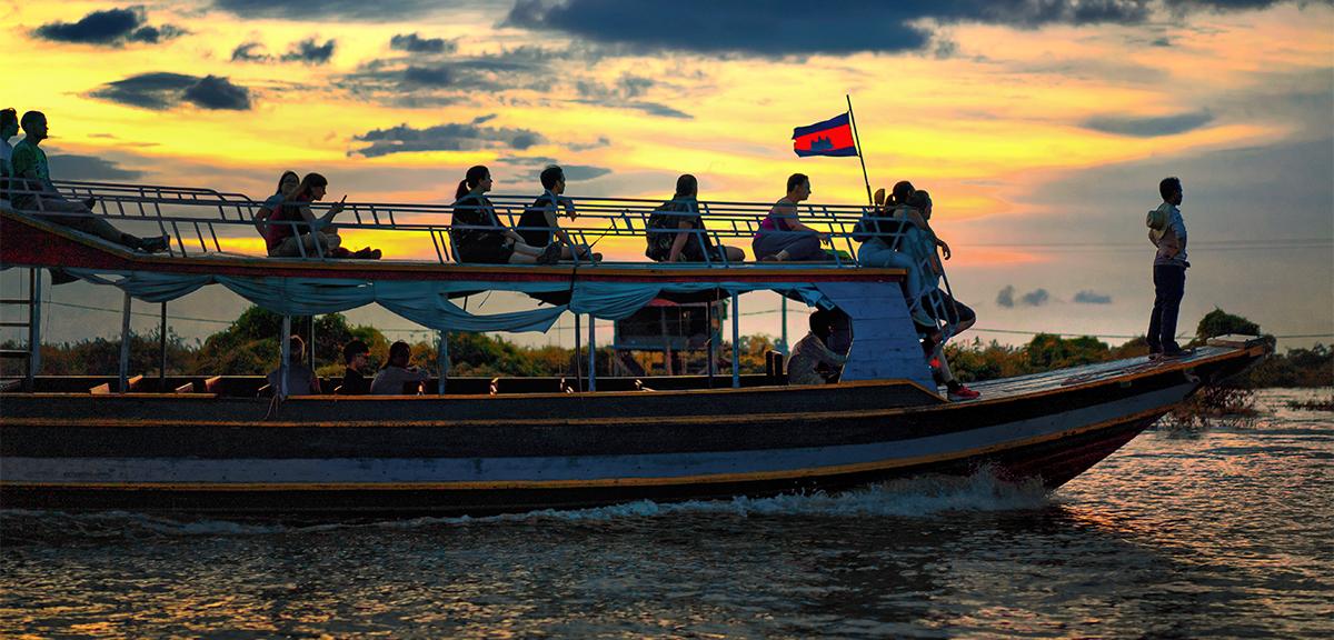 Boat cruise at Kampong Pluk Tonle Sap Lake